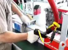 热熔胶施工视频------纸箱封盒应用